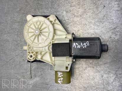 Ford Mondeo MK IV Galinis varikliukas langų pakėlėjo 0130822287