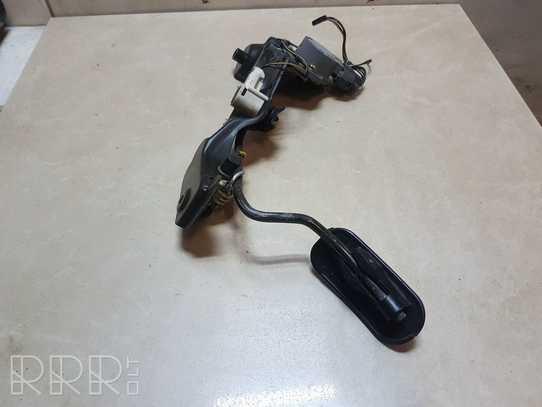 Toyota Avensis (T220) Akceleratoriaus pedalas 8928120010