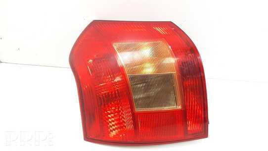 Toyota Corolla E120 E130 Galinis žibintas kėbule 0251
