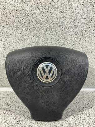 Volkswagen Golf V Vairo oro pagalvė
